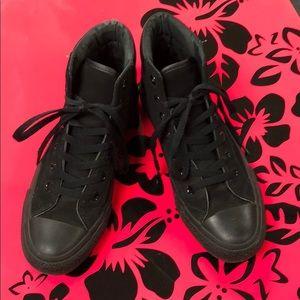 All Black Converse Mens 5.5/Womens 7.5